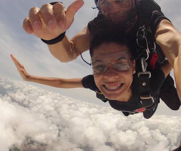 Salto Duplo de Paraquedas – Marcela Alves
