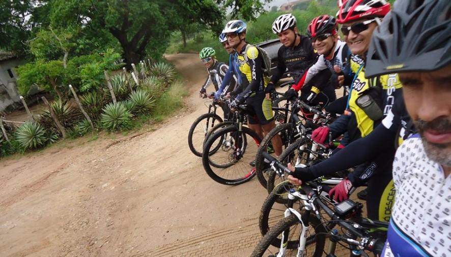 Paulão Bike promoveu um hiper pedal pelas Serras das Russas! Foi sensacional!