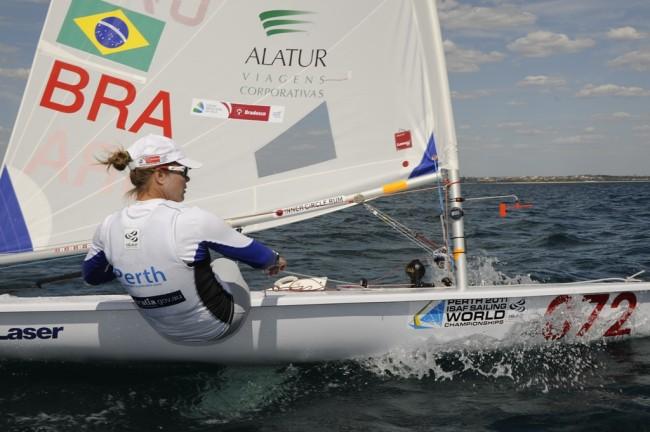 Adriana Kostiw nesta foto se dedicando para a campanha das Olimpíadas Rio 2016