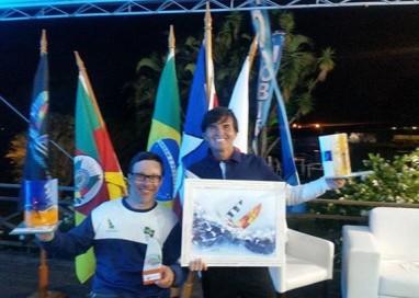 Ricardo Dubeux e Rafael Ferreira Corrêa realizaram um grande sonho durante o Campeonato Brasileiro de Hobie Cat 16