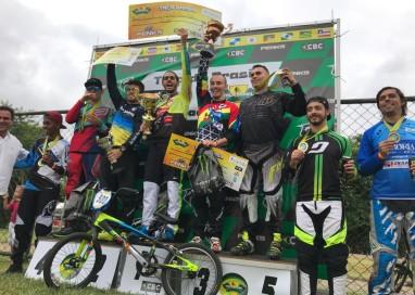 Renato Rezende é campeão da Taça Brasil de BMX após final emocionante em São Paulo