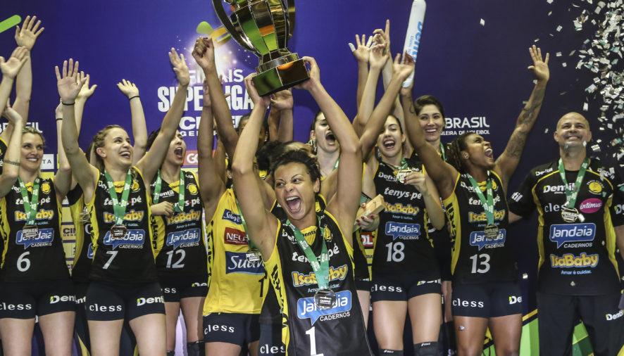 É CAMPEÃO! Praia Clube vence o Rio no Super Set e leva o título da Superliga Feminina de vôlei em Uberlândia