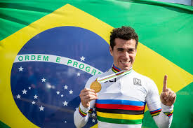 Atual campeão do mundo de Maratona MTB,o Henrique Avancini, é campeão da Tankwa Trek na África do Sul
