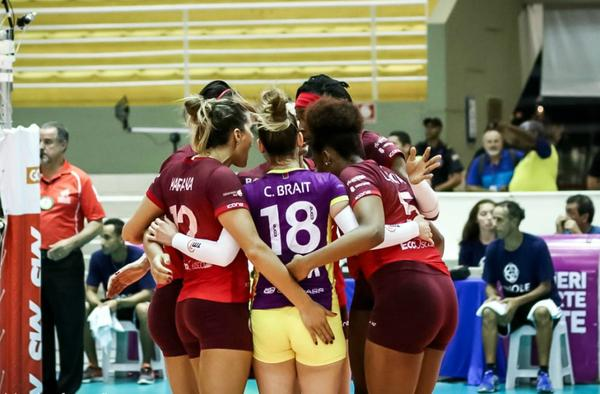 Hinode Barueri supera Osasco-Audax em batalha de cinco sets no playoff das quartas de final da Superliga Cimed 2018/19.