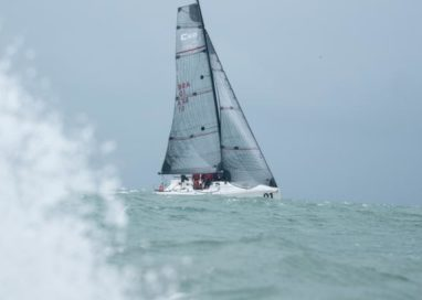 Caballo Loco é campeão da Classe C30 na vela oceânica em Florianópolis