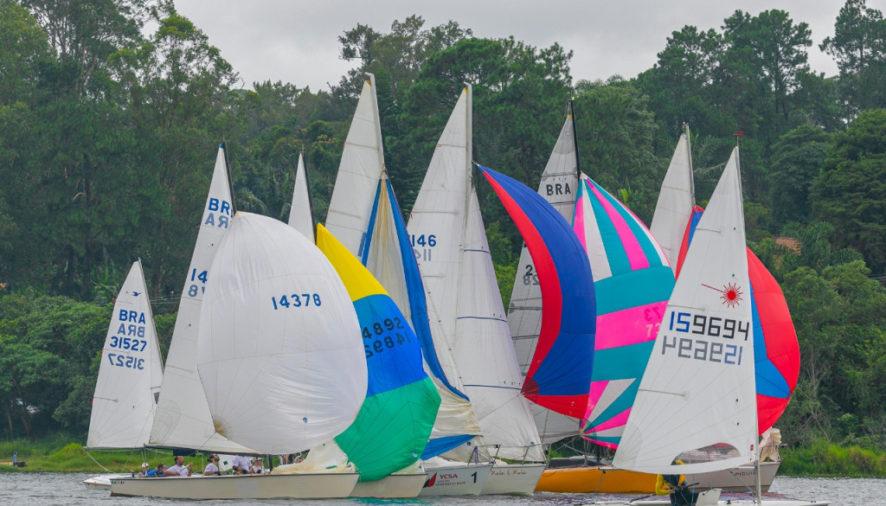 A Regata de Abertura, que marca o início das competições oficiais, reuniu na Guarapiranga 250 barcos e mais de 400 velejadores, incluindo estrelas da vela.