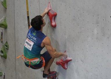 Com novo recorde brasileiro de velocidade, César Grosso termina o Pan de Escalada em sétimo lugar