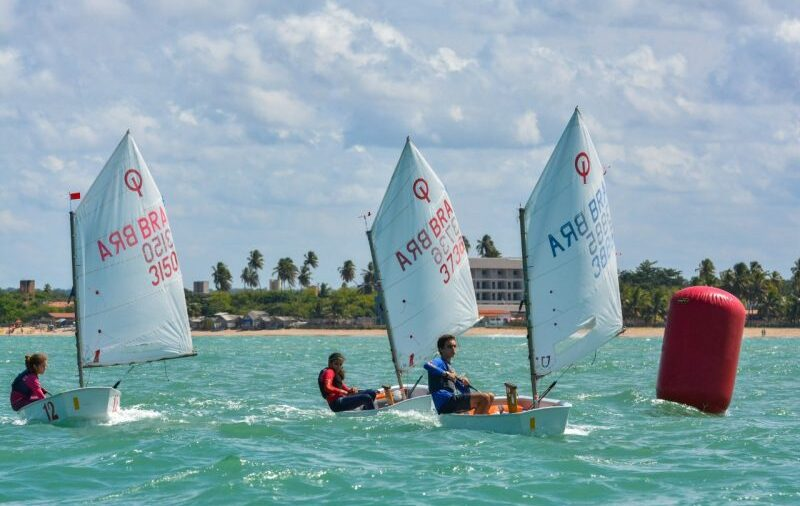 1ª Etapa do Campeonato Pernambucano de Optimist, realizada na raia da praia de Maria Farinha, foi Sucesso!