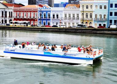 Conheça o Recife Antigo nos passeios de catamarã: Pontos turísticos, curiosidades e novas descobertas