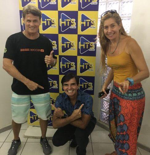 O campeão de Surf Zezito Barbosa ao lado da sua esposa Roberta Mayanah foram entrevistados no Hits Ação e Aventura